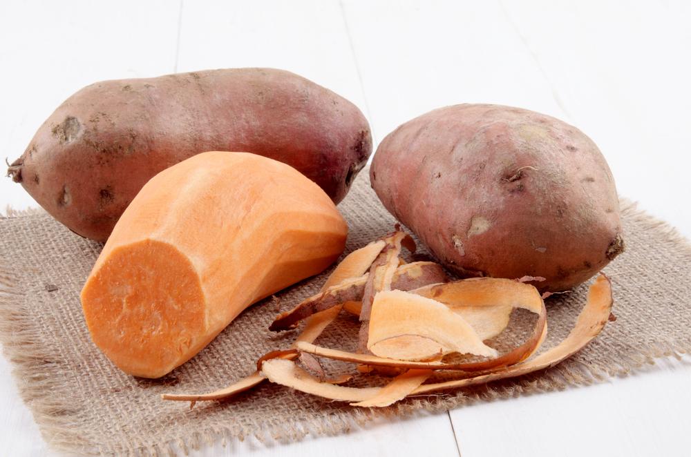 suesskartoffeln-schaelen